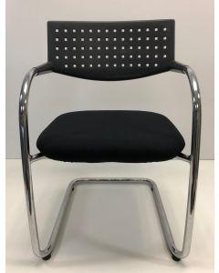 Vergaderstoel bijzetstoel bezoekersstoel Vitra Visavis zwart nieuwe stof